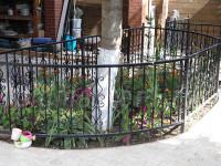 Ограждения кованые во дворе