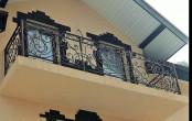 Кованый балкон в частном доме