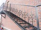 Кованая лестница на улице