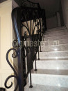 Перила на мраморной лестнице - ковка