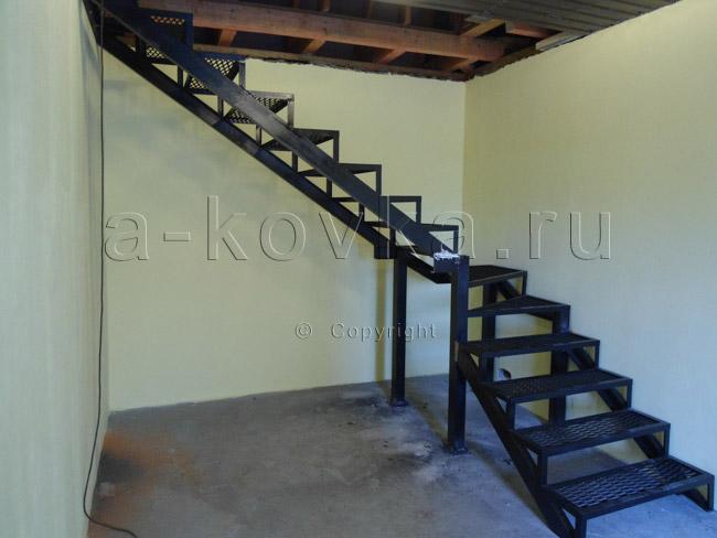 Монтаж металлической лестницы на второй этаж своими руками