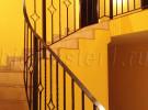 Радиусные кованые ограждения на лестницу