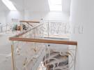 Кованое лестничное ограждение, выход на этаж