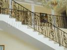 Кованые лестничные ограждения внутри дома