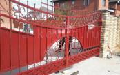Кованые ворота после установки