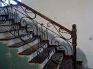 Ограждение кованое лестницы на второй этаж