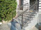 Ограждение лестницы кованое, крыльцо дома