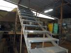 Производство металлической лестнице в кузнице