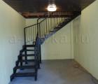 Металлическая лестница загородного дома