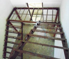 Лестница металлическая на второй этаж, установка