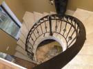 Радиусное кованое ограждение на лестнице