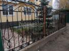 Забор кованый, ограждение территории дома