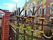 Кованый забор с пиками